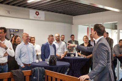 """De Veensche Businessclub had bijzonder """"Speeddate ontbijt"""" bij Daily Workwear en Invictus Online Marketing"""